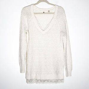 Knitted & Knotted Sweater Womens Medium V-Neck